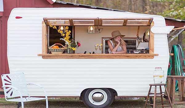 Bar-en-bodas-para-servir-cócteles