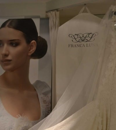 Guardatrajes blanco para novia