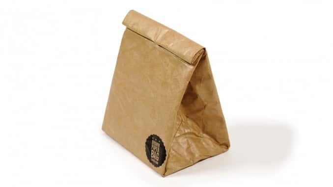 La bolsa de papel musa de diseñadores