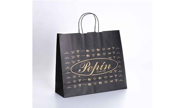 bolsa papel negra personalizada en dorado (pepín)