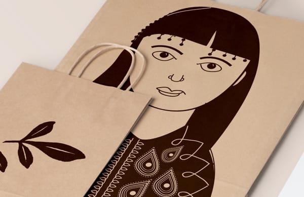 bolsas de papel con ilustraciones