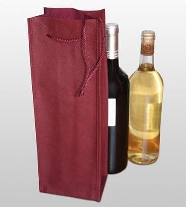 Bolsas para llevar una botella en color granate