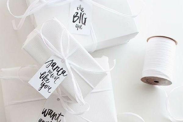 como hacer lazos de tela para regalos