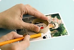 fotos enmarcadas con rollos de papel higiénico