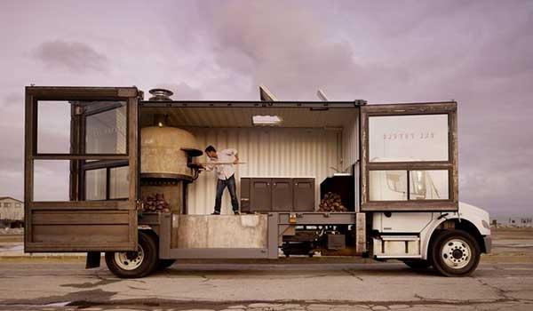 food-truck-con-hornos-para-preparar-comida