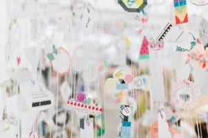 lámpara de papel para decorar una tienda