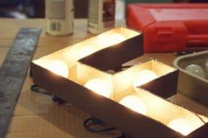 letras de carton con luces
